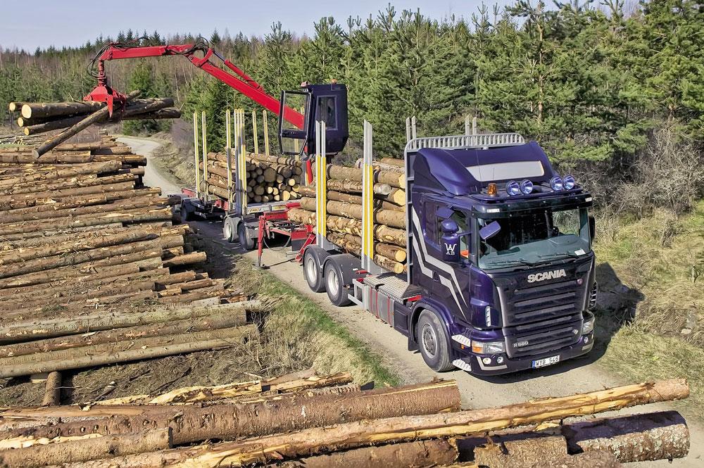 лесовоз для перевозки леса и бруса