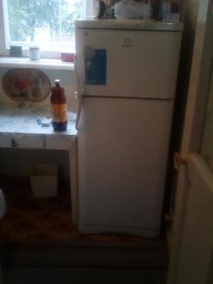 Заказ грузовой газели для доставки личныx вещей : Небольшой холодильник из Первоуральска в Менделеевска