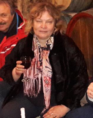 Перевезти Шарф женский шелковый из Болгария, Софии в Россия, Нижний Новгород