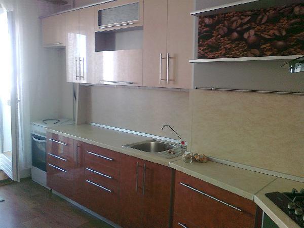 Отправка мебели : Кухонный гарнитур ( все шкафчики и тумбы с кухни) из Белоруссия, Витебска в Россия, Санкт-Петербург