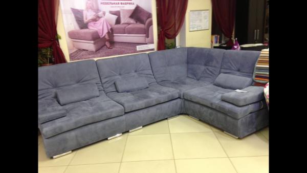 Заказ грузового автомобиля для транспортировки вещей : Угловой диван из Волгограда в Москву