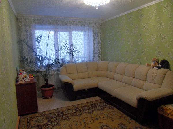 Заказать отдельную газель для перевозки личныx вещей : Угловой диван (разбирается на 3 части), Комод по Петропавловску-Камчатскому