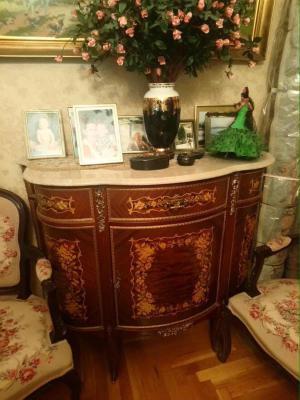 Отправить Комод деревянный лакированный на ножках неразборный с мраморной столешницей, Журнальный стол из Греция, Афин в Россия, Санкт-Петербург