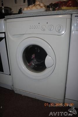 Перевозка личныx вещей : стиральную машину indesit W10 по Санкт-Петербургу