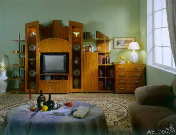 Заказать авто для перевозки личныx вещей : Пристенная корпусная мебель Кл из Екатеринбурга в Монаенок