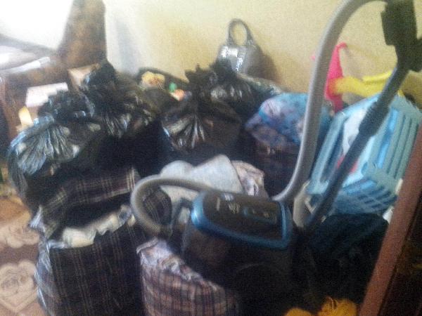 Заказать грузовую газель для транспортировки вещей : Личные вещи и мама с ребенком (2 года) из Тулы в Семикаракорска