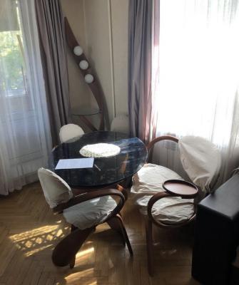 Заказать отдельный автомобиль для транспортировки вещей : Предметы мебели из Москвы в Санкт-Петербург