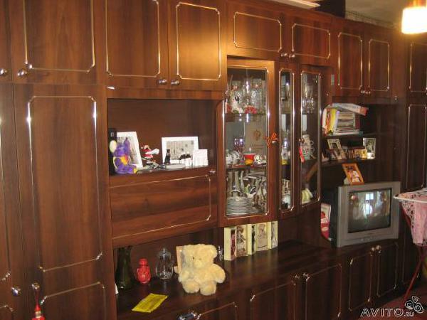 Заказать грузовой автомобиль для перевозки мебели : Стенка из Санкт-Петербурга в ломоносова д пеники