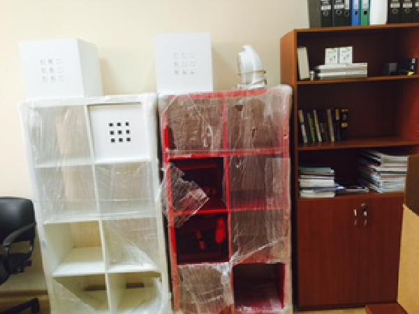 Доставка транспортной компанией коробок, шкафа, дивана, личные вещей, других грузы по Москве