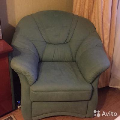 Заказать машину перевезти диван по Москве