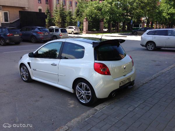 Перевозка автомобиля renault clio rs, 2010 года из Новосибирск в Санкт-Петербург