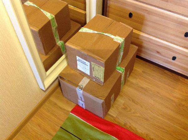 транспортировать две коробки с кофе и картонными стаканчиками дешево попутно из Московский в Керчь