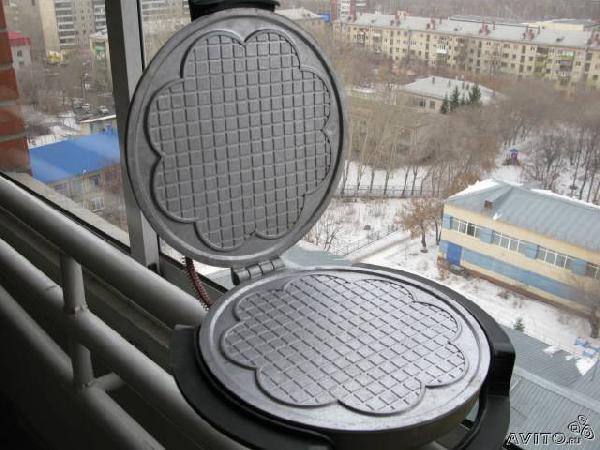 Отправка личныx вещей : Электровафельница из Тюмени в Малоярославца