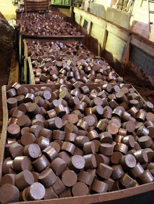 Стоимость отвезти лом чёрых металлов, чугунные брикеты, металлолома из Ярославль в Омутнинск