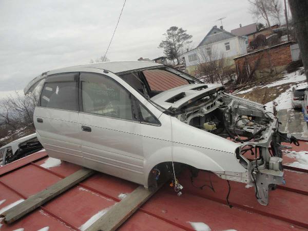 Перевозка автомобиля Toyota Nadia / 2000 г / 1 шт