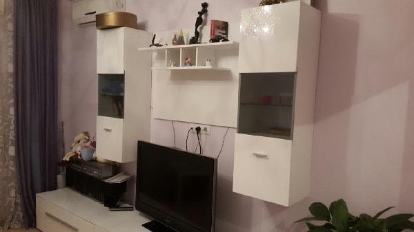 Доставка дивана, шкафа в квартиру из Москва в деревня Полушкино