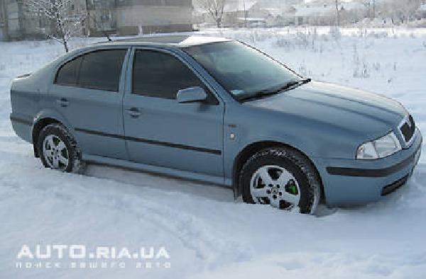 Перевозка эвакуатор для автомобиля skoda octavia из Краснодар в Екатеринбург