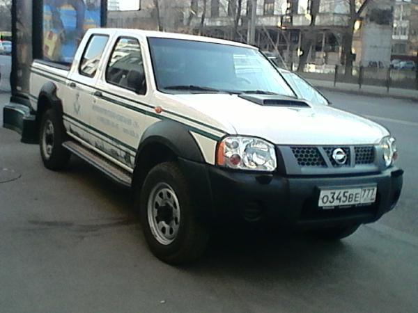 Перевозка автомобиля nissan np 300 pick up 2013 г. из Новый Уренгой в Москва