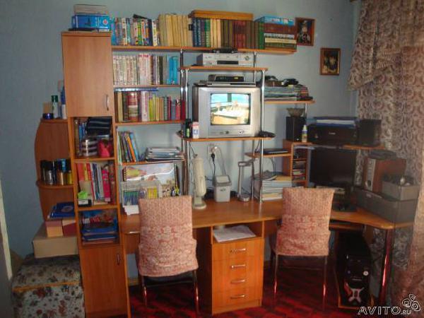 Заказать газель перевезти  компьютерный стол по Омску