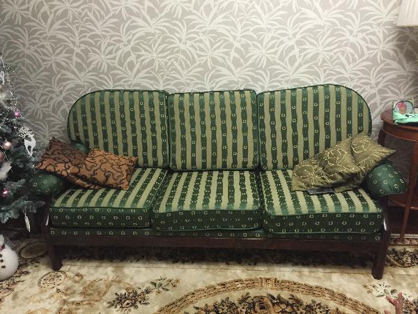 Дешевая доставка дивана, , два кресел из Москвы в Коллонтая