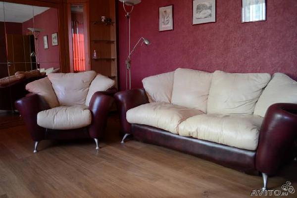 Заказать грузовую газель для доставки вещей : Диван + два кресла из Санкт-Петербурга в СНТ Санаторный