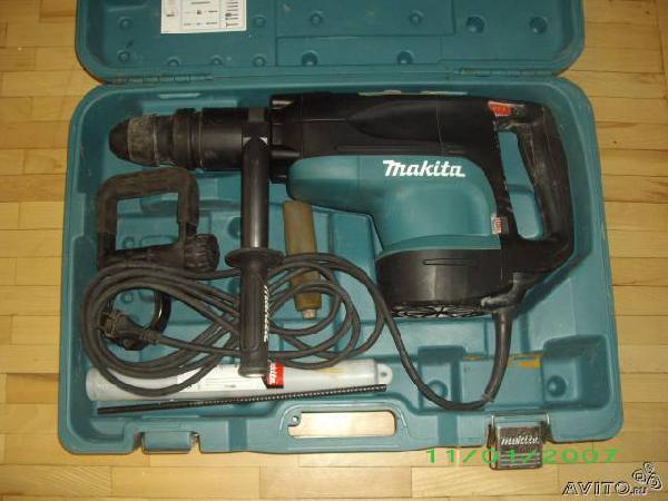 Заказ грузового автомобиля для перевозки вещей : Перфоратор makita HR5201C из Санкт-Петербурга в Строителя