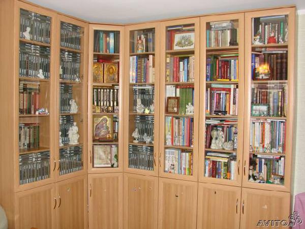 Перевезти книжные шкафы по Москве