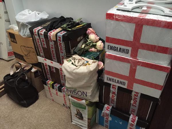 Сколько стоит доставка средних коробок из Соединенное Королевство, Hereford в Россия, Сочи