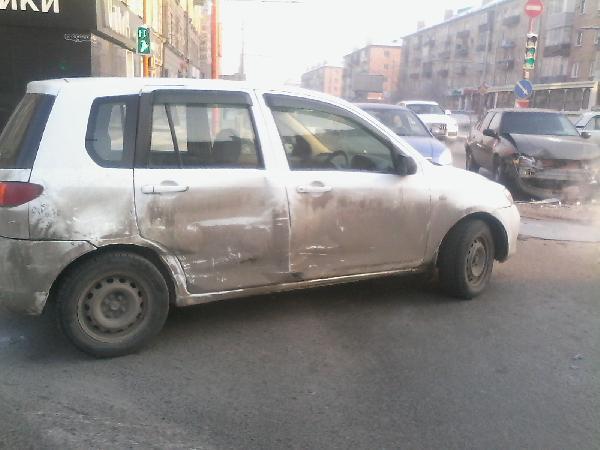 Перевезти по жд легковую машину стоимость из Красноярск в Нижний Новгород