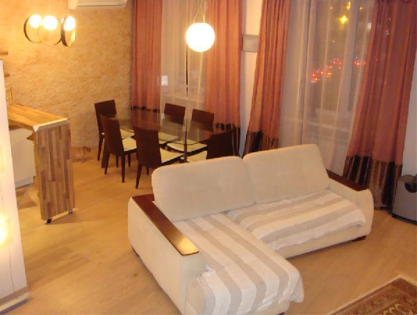 Доставить угловой диван из Омск в Санкт-Петербург