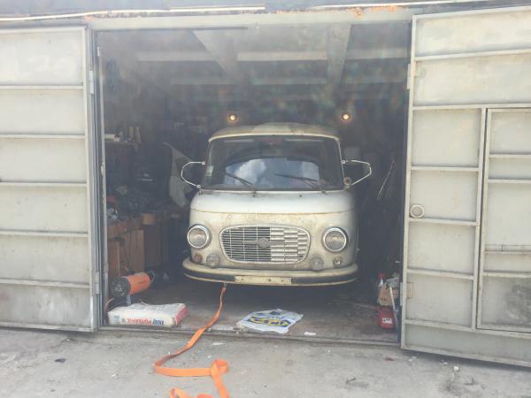 Перевезти машину стоимость из Пущино в Санкт-Петербург