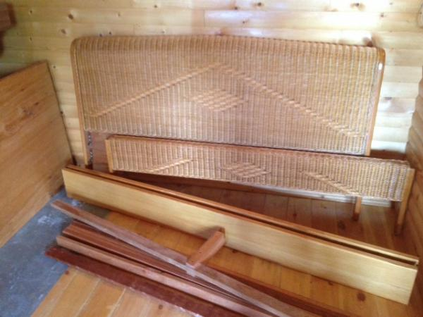 Газель перевезти двуспальная кровать из деревня Холмы в деревня Сапроново