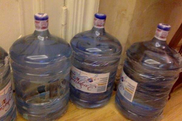 Доставка больших коробок 80 на 40, 2 этажерок 160 х 40 х 50, 4 бутылок вод 40х40х60 по Москве