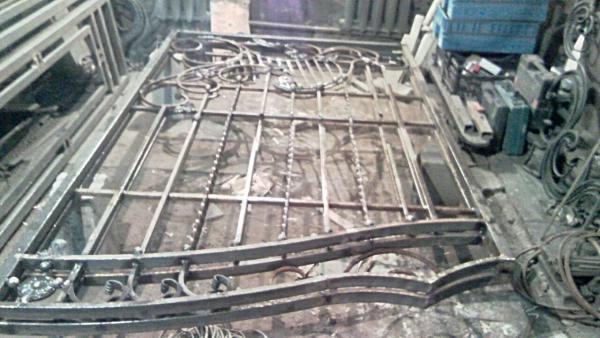 Доставка кованых ворот, калитки на газели догрузом из Прохладный в Краснодар