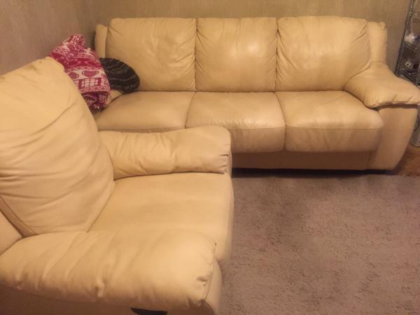 Сколько стоит перевезти диван 3-местный, два кресла из Москва в Шараповка