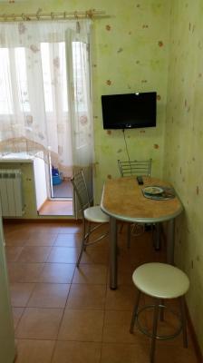 Заказ машины переезд перевезти диван 2-местный, обеденный стол, письменный стол, холодильник двухкамерный, микроволновая печь, сумки С личными вещами из Домодедово в Брянск