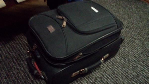 Заказать газель для перевозки дорожного чемодана из Санкт-Петербург в Москва