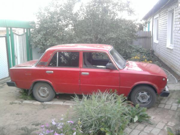 Отправить легковую машину автовоз из Волгоград в Гатчина