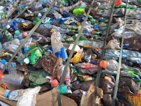 Отвезти прессованный пэт В тюках По 250 кг дешево из городской округ Балашиха в Тверь