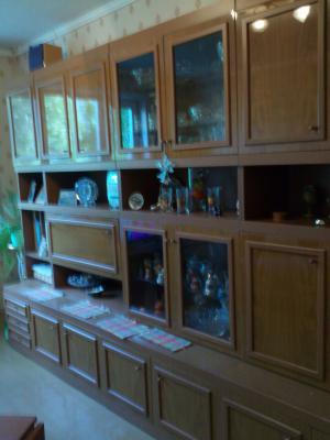 Заказ грузового автомобиля для перевозки личныx вещей : Мебельная стенка из Нижнекамска в Новокуйбышевск