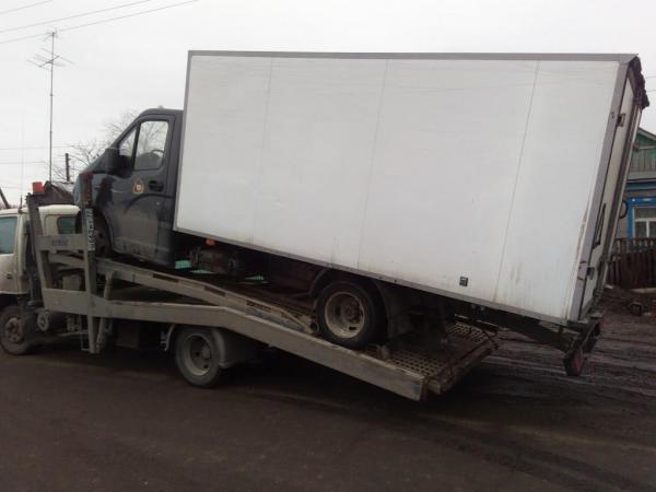 Транспортировать легковую машину на автовозе из Москва в Санкт-Петербург