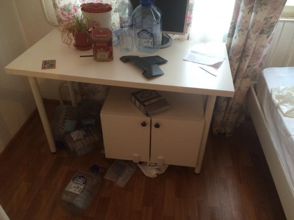 Сколько стоит доставка шкафа, компьютерного стола С тумбой, письменного стола С тумбочкой, комода, офисного кресла по Санкт-Петербургу