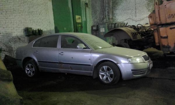 Перевезти машину стоимость из Тихвин в Санкт-Петербург