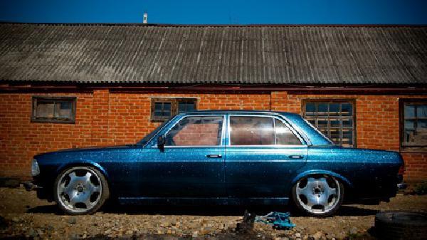 Перевозка автомобиля мерседес е 230 / 1977 г / 1 шт из Усть-Лабинска в Казань